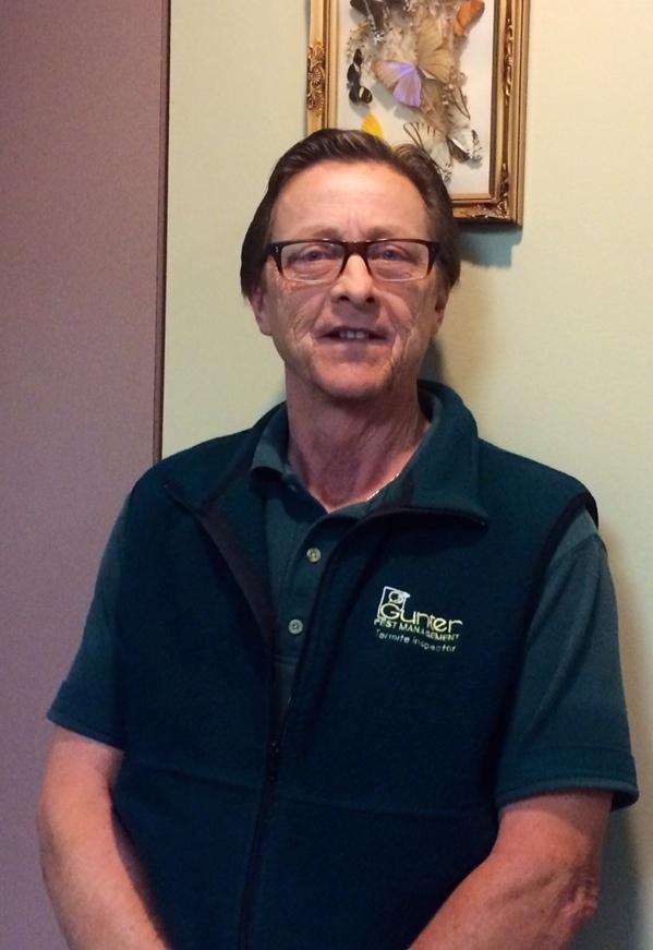 Michael Quinn celebrating 38 year anniversary with Gunter Pest Management!